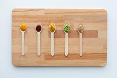 Jarzynowy lub owocowy jedzenie w łyżkach puree lub dziecka Obraz Royalty Free