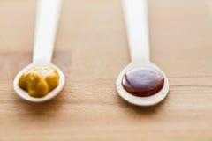 Jarzynowy lub owocowy jedzenie w łyżkach puree lub dziecka Obraz Stock