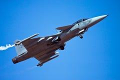 JAS Gripen que saca en la aero- India Imagen de archivo libre de regalías