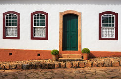 Jaskrawa barwiona fasada zdjęcia royalty free