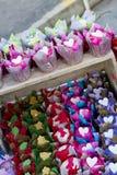 Jaskrawe colourful babeczki Zdjęcia Stock