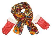 Jaskrawe wzorzyste szalika i pomarańcze rękawiczki Obrazy Stock