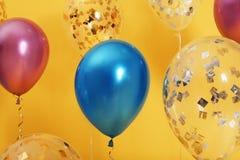 Jaskrawi balony z faborkami zdjęcia stock