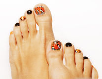 Jaskrawi motyli projekta pedicure'u palce odizolowywający na białym tła zakończeniu up Zdjęcia Royalty Free