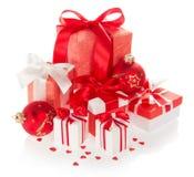 Jaskrawi prezentów pudełka i nowy rok piłki Obraz Stock