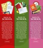 Jaskrawi sztandary z powrotem szkoła z falcówkami, książkami i notatnikami z miejscem dla twój teksta, wektor Fotografia Royalty Free