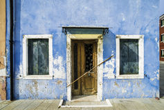 Jaskrawy błękitny koloru dom w Wenecja Zdjęcia Royalty Free