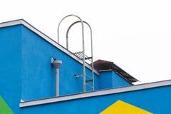Jaskrawy barwiony nowożytny jawnego budynku dzieciniec zdjęcie royalty free