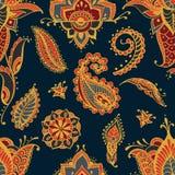 Jaskrawy bezszwowy wzór z Paisley mehndi elementami Ręka rysująca tapeta z kwiecistym tradycyjnym indyjskim ornamentem dalej Obraz Royalty Free