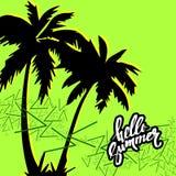 Jaskrawy drzewko palmowe w zwrotnikach z kwiatami i zwierzętami Zdjęcia Stock