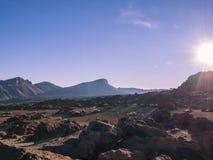 Jaskrawy dzień w pustyni zdjęcia royalty free