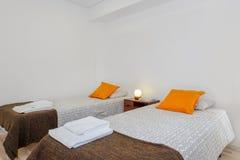 Jaskrawy i Świeży sypialnia apartament Obraz Royalty Free