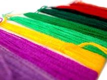 jaskrawy kolorowe nici Fotografia Royalty Free