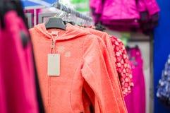 Jaskrawy koloru fluff kurtki dla dziewczyn Fotografia Royalty Free