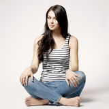 Jaskrawy obrazek szczęśliwa i beztroska nastoletnia dziewczyna Zdjęcie Stock