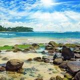 Jaskrawy słońce na morzu Zdjęcia Stock