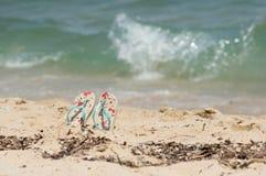 Jaskrawy słoneczny dzień na plaży Zdjęcia Stock