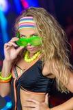 Jaskrawy tancerz w noc klubie Obraz Royalty Free