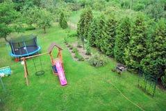 Jaskrawy - zielonej trawy tło świeży zielonej trawy pole Fotografia Royalty Free