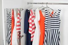 Jaskrawych mod kobiet nowożytne suknie Obraz Stock