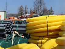 Jaslo/Yaslo, Polen - 12. April 2018: Süße Gummireifen für verschiedene Autos, LKWs und Traktoren Technologie der Automobilindustr Lizenzfreies Stockbild
