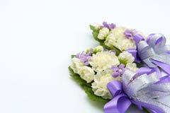 Jasmijn met de hand gemaakte die bloemen van met de hand gemaakt worden gemaakt De betekenis is een vertegenwoordiging van de lie Stock Fotografie