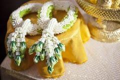 Jasmin Wedding Garland tailandese per lo sposo e la sposa, Tailandia Weddin fotografie stock libere da diritti
