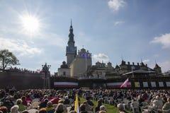 Jasna Gora, Польша, 13-ое мая 2017: Поклонение с Mary ферзь дальше стоковая фотография