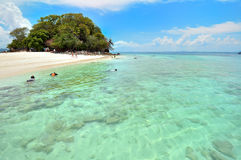 Jasna woda, Tropikalna plaża, Andaman morze, Tajlandia Obraz Royalty Free