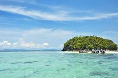 Jasna woda, Tropikalna wyspa, Andaman morze, Tajlandia Obraz Stock