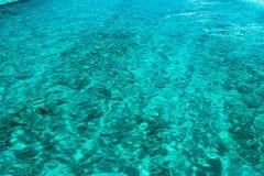 Jasna woda w Bahamas zdjęcia royalty free