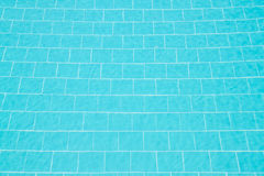 Jasna woda w pływackim basenie fotografia stock