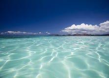 jasne krystaliczne wody Fotografia Royalty Free