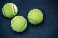 - jasne, pochodzenie jaj zielony jednorodny jedna położyć większy tenis Obrazy Stock