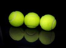 - jasne, pochodzenie jaj zielony jednorodny jedna położyć większy tenis Obraz Stock