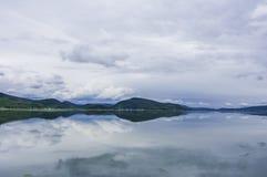 Jasny jezioro Zdjęcie Stock