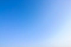 Jasny niebieskie niebo jako tło tapeta, pastelowa niebo tapeta Obrazy Stock