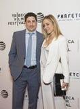 Jason Biggs e esposa Jenny Mollen Fotos de Stock Royalty Free