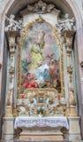 Jasov - μπαρόκ δευτερεύοντες βωμός και χρώμα του ST Andrew και του ST John το Nepomuk από το μοναστήρι Premonstratesian Στοκ Εικόνες