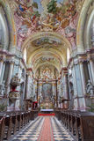 Jasov - Główny nave barokowy kościół 1745, 1766 w Premonstratesian przyklasztornym w Jasov chwalebnie architektem od Wiedeń Franz) obrazy royalty free