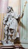 Jasov - sculpture baroque de saint Jacob l'apôtre dans la nef du cloître de Premonstratesian par Johann Anton Krauss (1728 - 1795) Image libre de droits