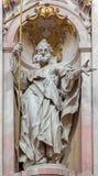 Jasov - sculpture baroque de St John le baptiste dans la nef du cloître de Premonstratesian par Johann Anton Krauss (1728 - 1795)  Photo libre de droits