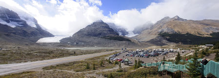 JASPER, CANADA - SEPTEMBER 7, 2016: Columbia icefield on 7 Septe Royalty Free Stock Photography