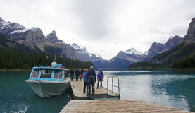 JASPER, CANADA - SEPTEMBER 9, 2016: Maligne Lake, Jasper Nationa. L Park on 9 September 2016 in Jasper, Maligne Lake is one of the major tourist attractions in Stock Photography