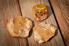 Jaspis skały Z rewolucjonistką i kolorem żółtym Zdjęcia Royalty Free