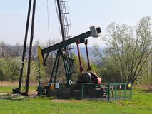 Jaszczew, Pologne - 8 avril 2018 : Station de pompe à huile Tansport et distribution d'huile Technologie de système de transport  photos stock
