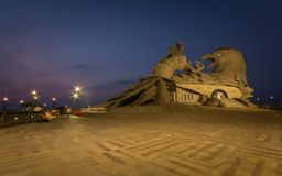 Jatayu雕塑夜视图  免版税库存照片