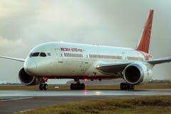 Jato de Air India Boeing 787 Dreamliner Imagens de Stock Royalty Free