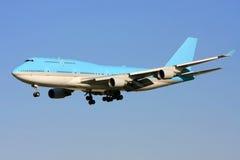 Jato de Boeing 747 no vôo Imagem de Stock Royalty Free