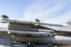 Jato do caça F-16 da asa do míssil Fotografia de Stock